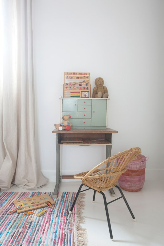 Vintage desk | home of studiowolk.nl | photo by Celine Nuberg